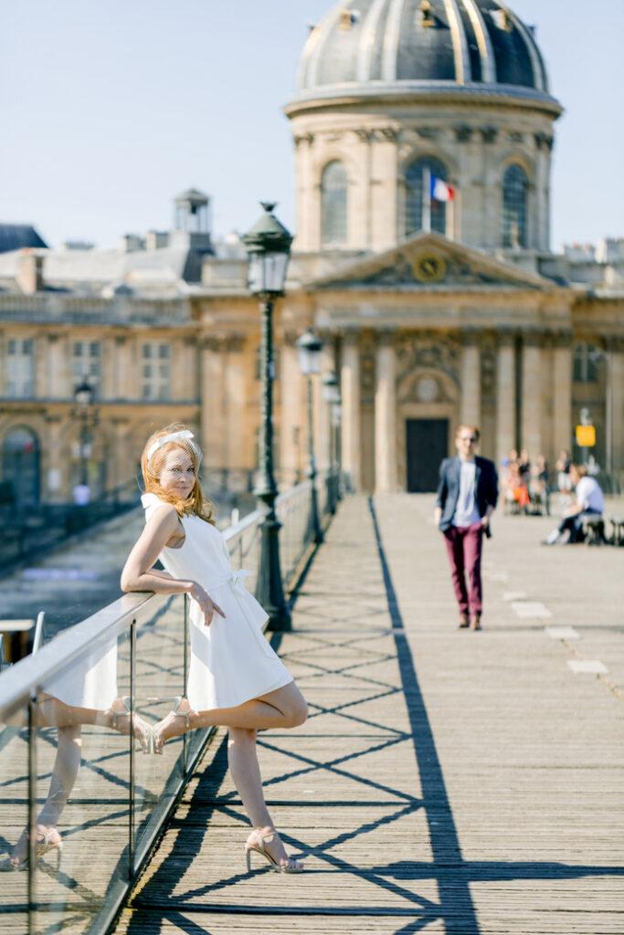 photographe-mariage-paris-séance_fiançailles-couple-fiancés-pont_des_arts